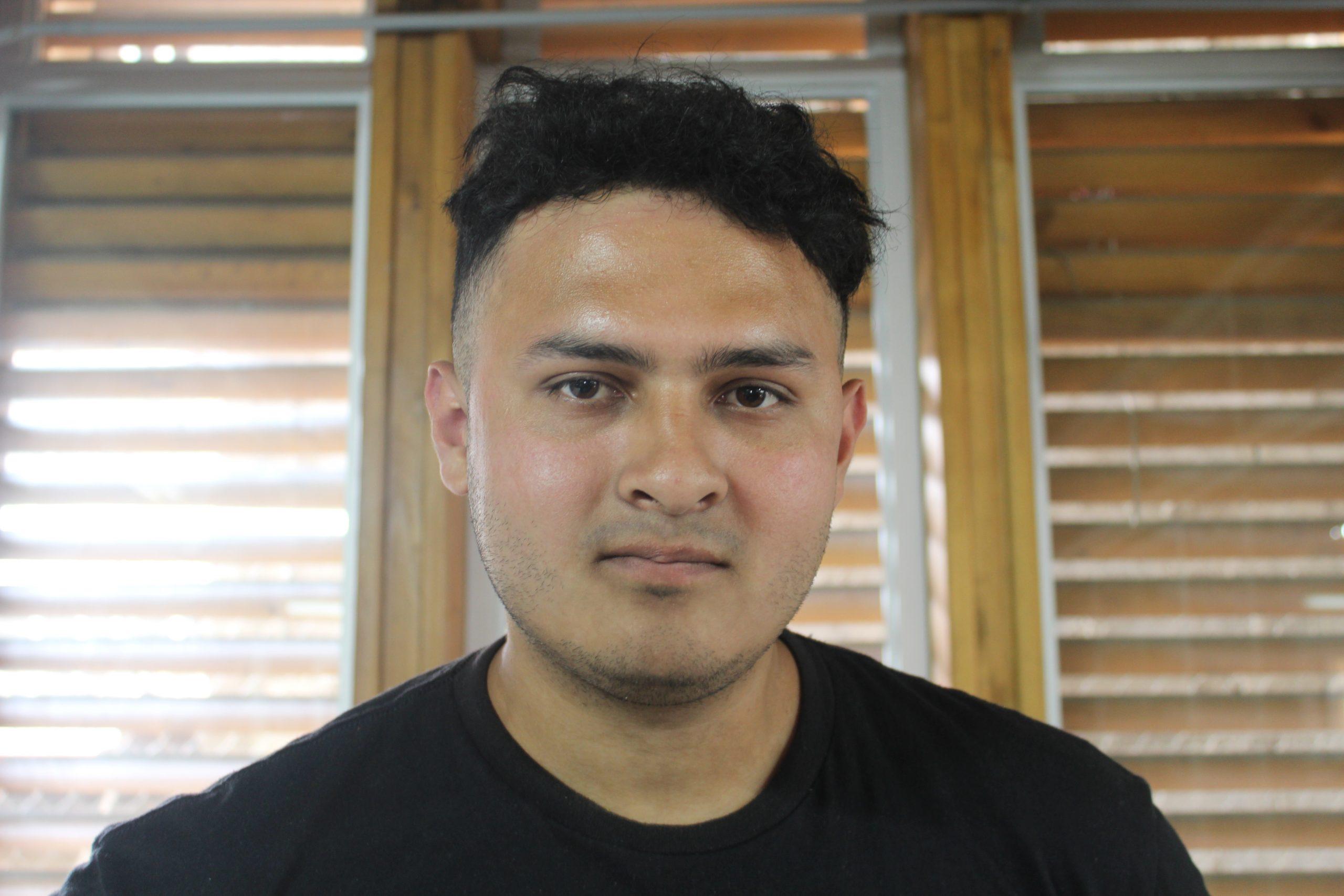 Christopher Andrés Narváez Umaña es uno de los estudiantes costarricenses en el Fab Lab en SIFAIS en La Carpio, San José, Costa Rica.   Elizabeth Marie Lang Oreamuno   DelfinoCR  