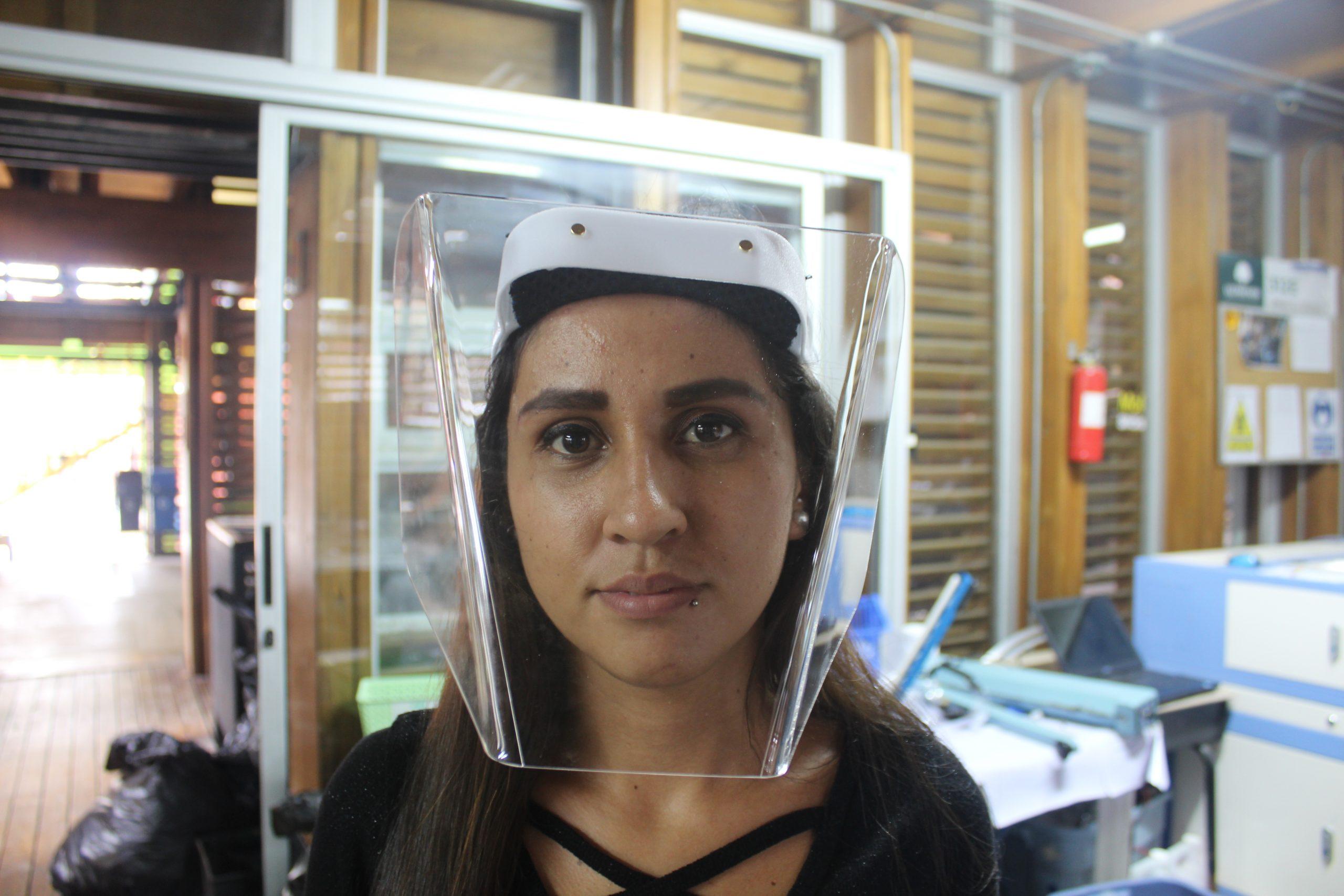 Yorleny Jarquín es una de las estudiantes nicaragüenses que trabaja en el Fab Lab de SIFAIS en La Carpio, San José, Costa Rica.   Elizabeth Marie Lang Oreamuno   DelfinoCR  