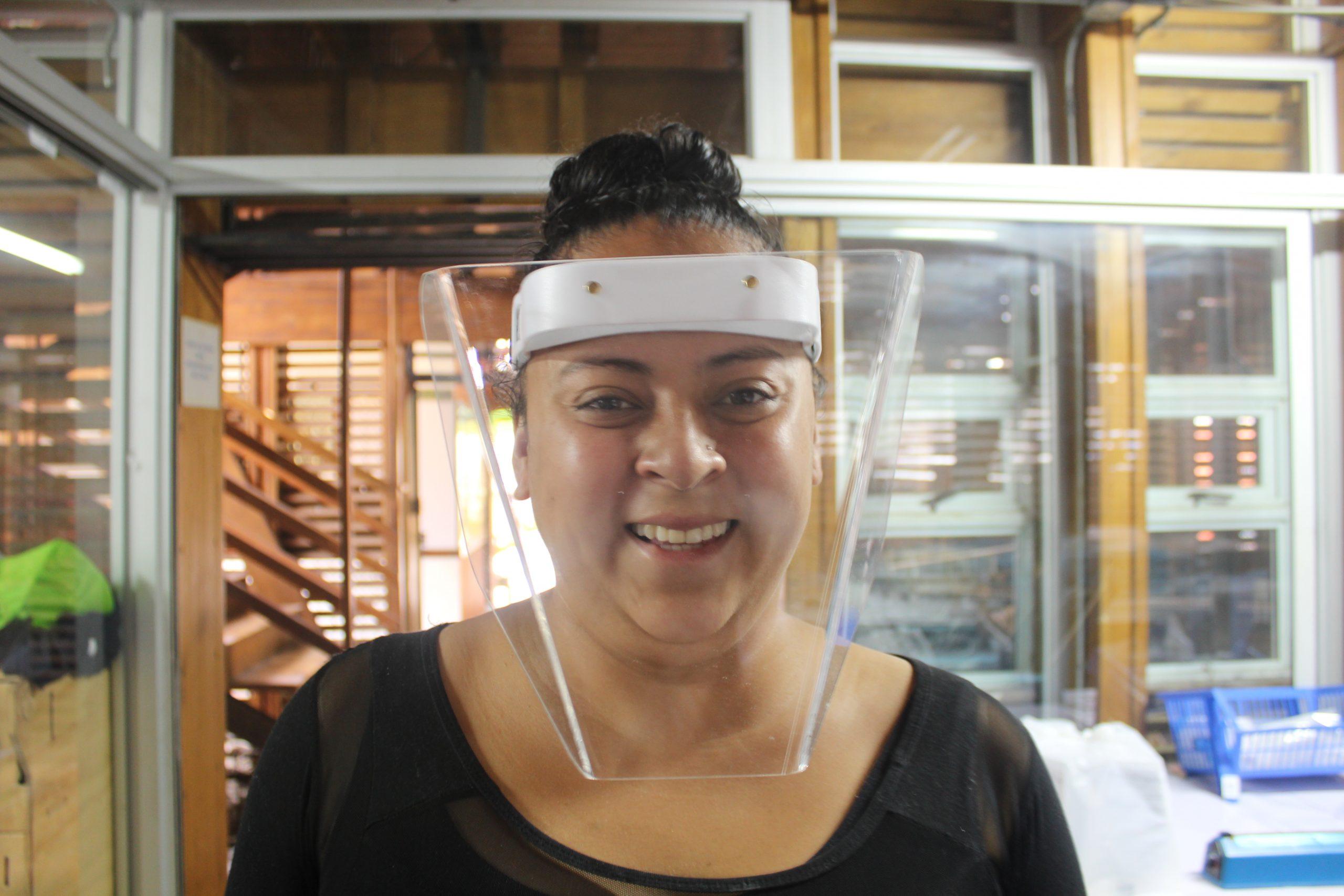 María Narváez es una de las estudiantes costarricenses que trabaja en el Fab Lab de SIFAIS en La Carpio, San José, Costa Rica.   Elizabeth Marie Lang Oreamuno   DelfinoCR  