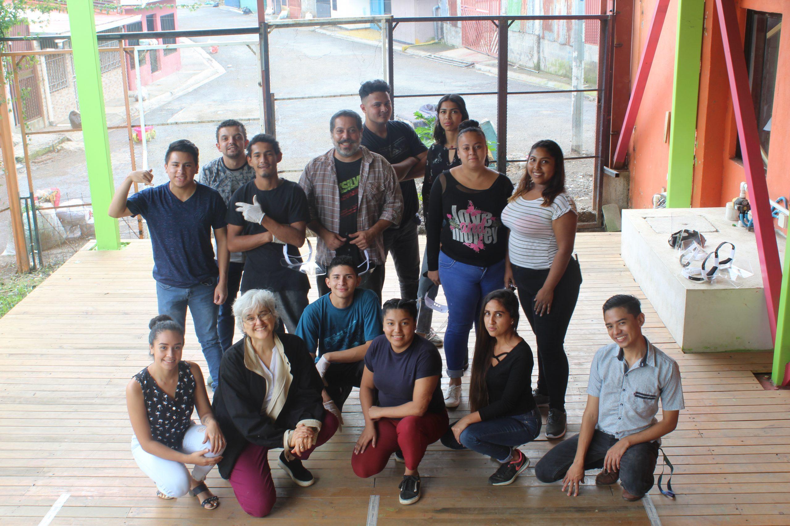 Los y las estudiantes del Fab Lab en SIFAIS en La Carpio, San José, Costa Rica.   Elizabeth Marie Lang Oreamuno   DelfinoCR  