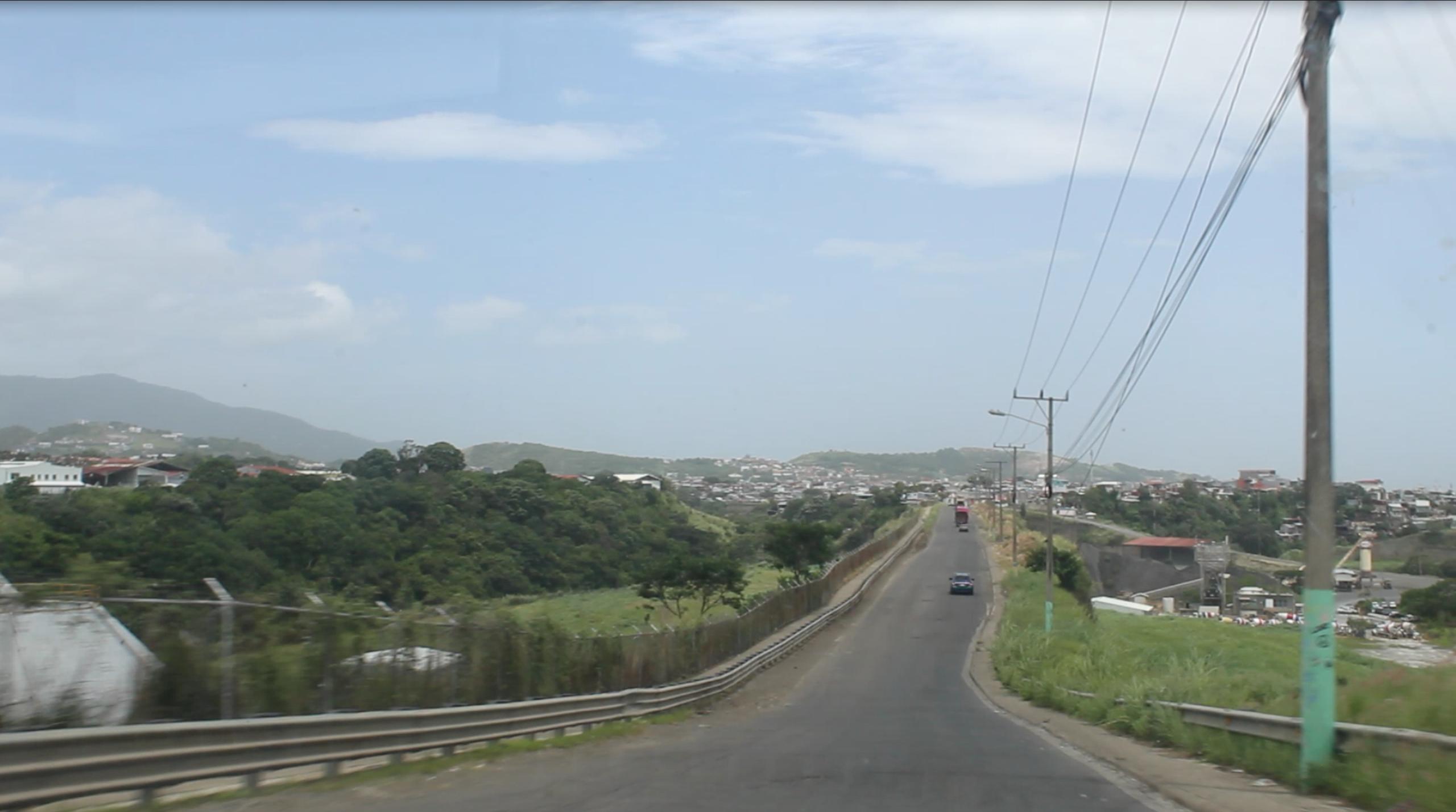 El camino hacia Carpio, San José, Costa Rica. | Elizabeth Marie Lang Oreamuno | DelfinoCR |